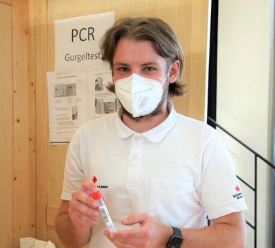 Teststraße & Impfung in Rif